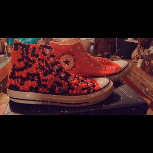 Red converse size 7